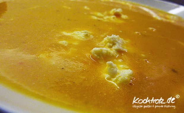 Karottensuppe mit Ingwer und Kardamon