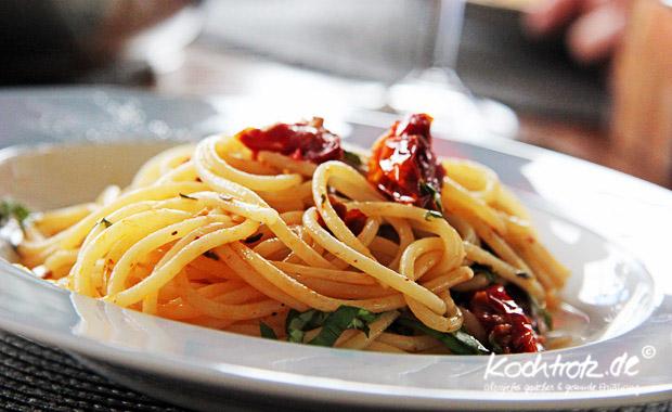 Spagetti mit getrockneten Tomaten