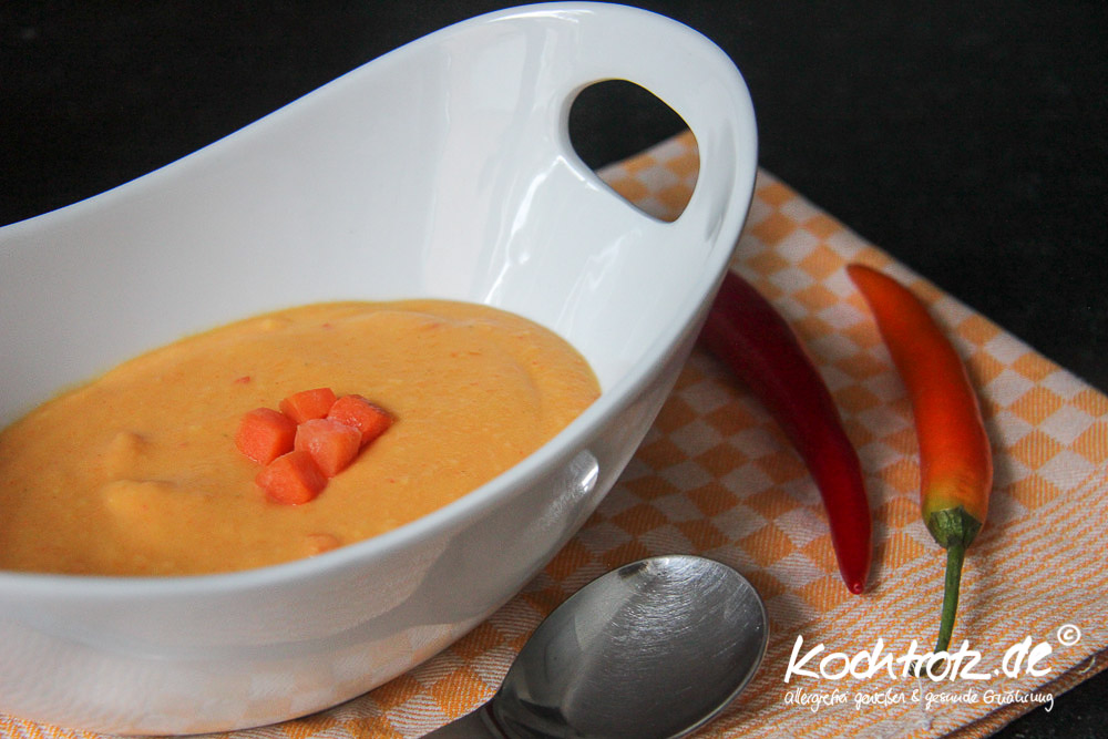 karotten kartoffel suppe mit kokosmilch ingwer chili kochtrotz foodblog genuss trotz. Black Bedroom Furniture Sets. Home Design Ideas