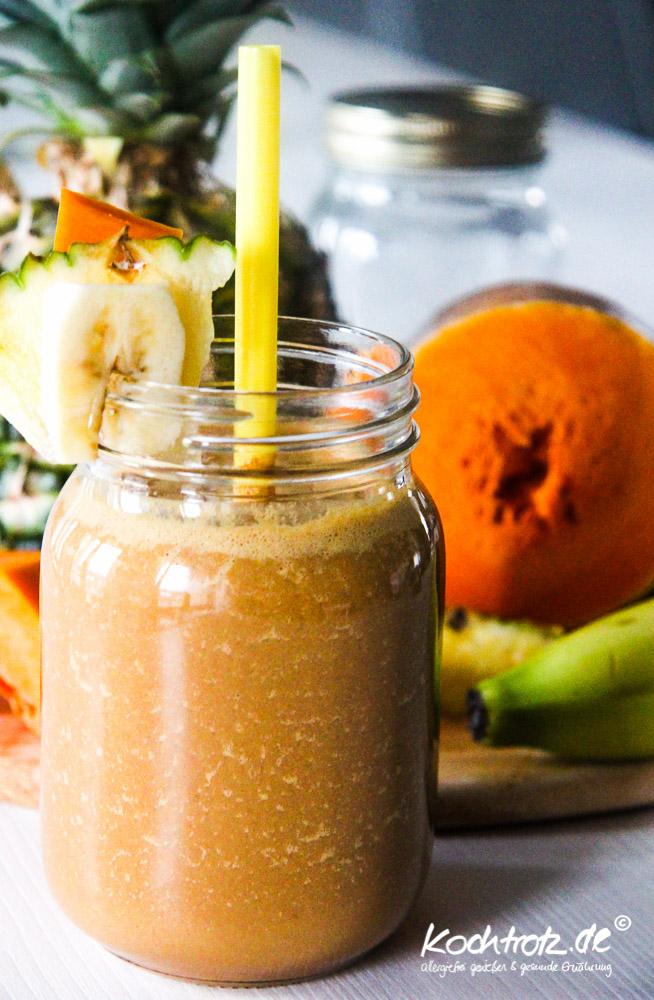 keimling-food-blog-award-2014-kochtrotz-kreationen-kuerbis-rucola-orientalische-Kuerbis-ananas-bananen-makao-smoothie-1-2