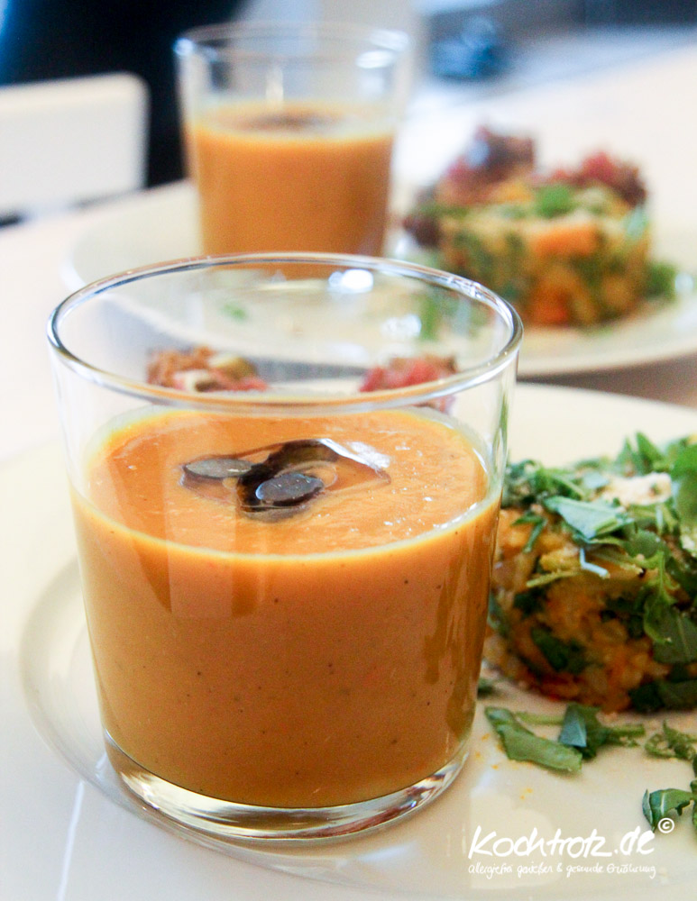 keimling-food-blog-award-2014-kochtrotz-kreationen-kuerbis-rucola-orientalische-Kuerbis-suesskartoffel-mango-suppe-1