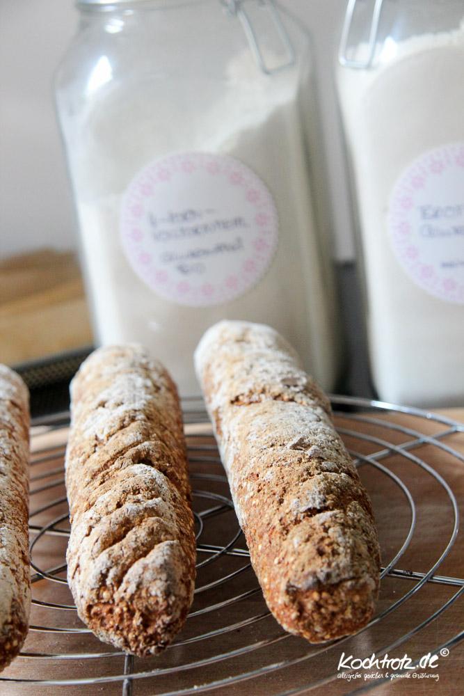 FrauTV-rustikale-Moehren-Quinoa-Baguettes-glutenfrei-hefefrei-1-14