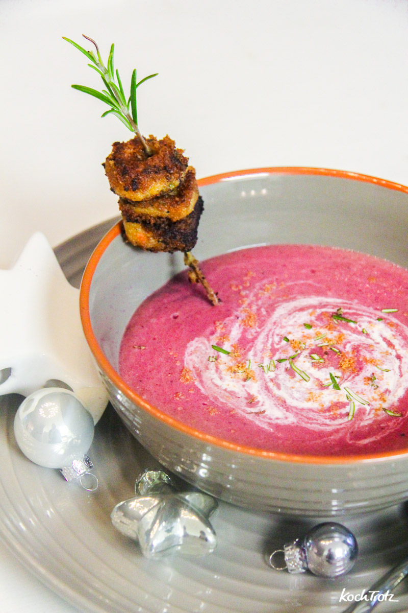 Einfach aber raffiniert Rotkohl-Cranberry-Suppe vegan oder vegetarisch