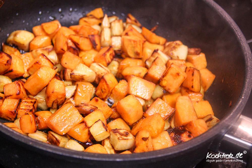 weihnachtsmenue2014-vegan-vegetarisch-glutenfrei-hauptgang-maronen-quinoa-rolle-braten-mit-gemuese-fuellung-und-gebratenen-suesskartoffel-und-pastinaken-wuerfel-1-9