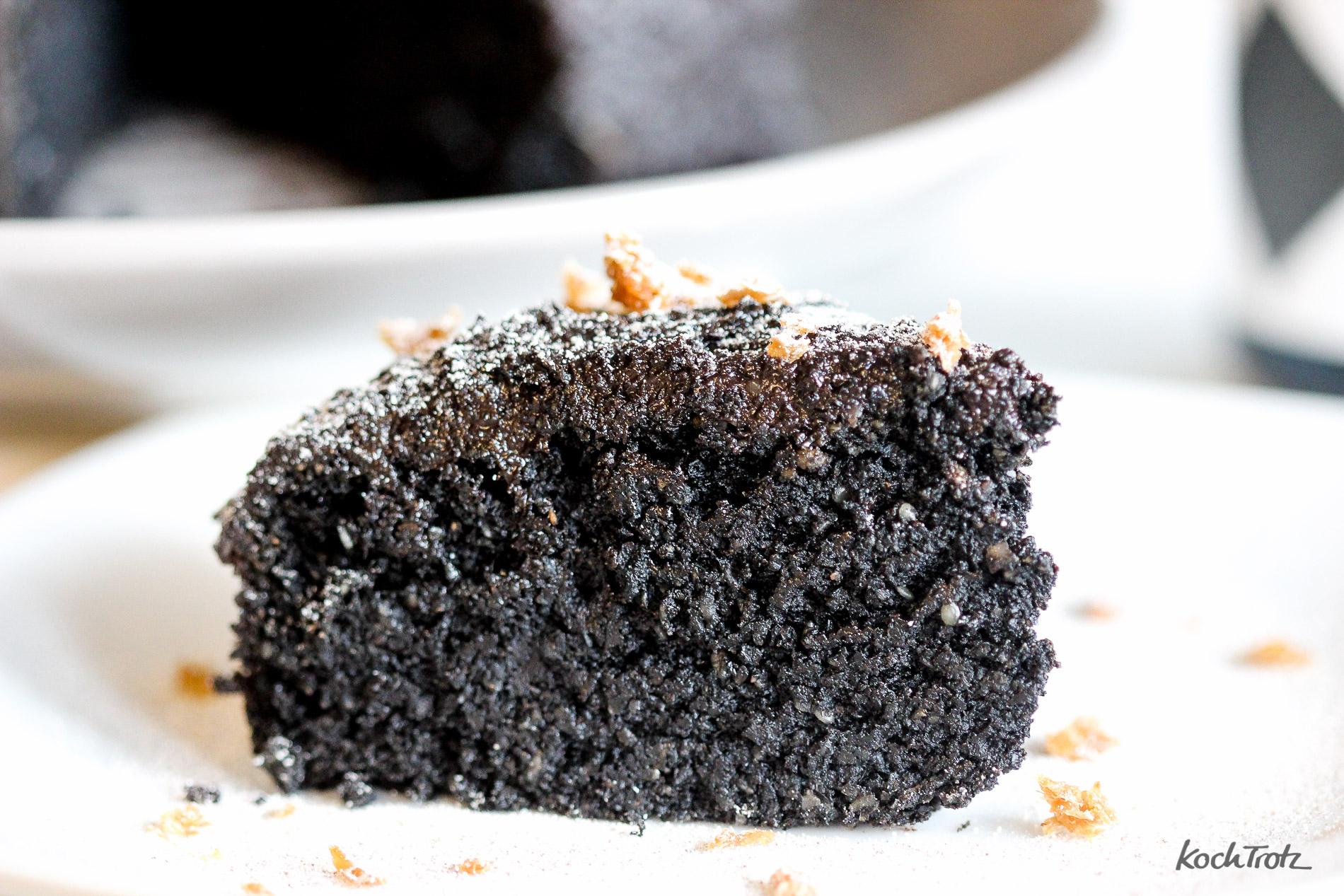 schwarzer-sesamkuchen-glutenfrei-vegan-kuroi-neko-keki-1-2