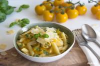 One Pot Pasta mit gelben Tomaten | optional glutenfrei | von KochTrotz.de