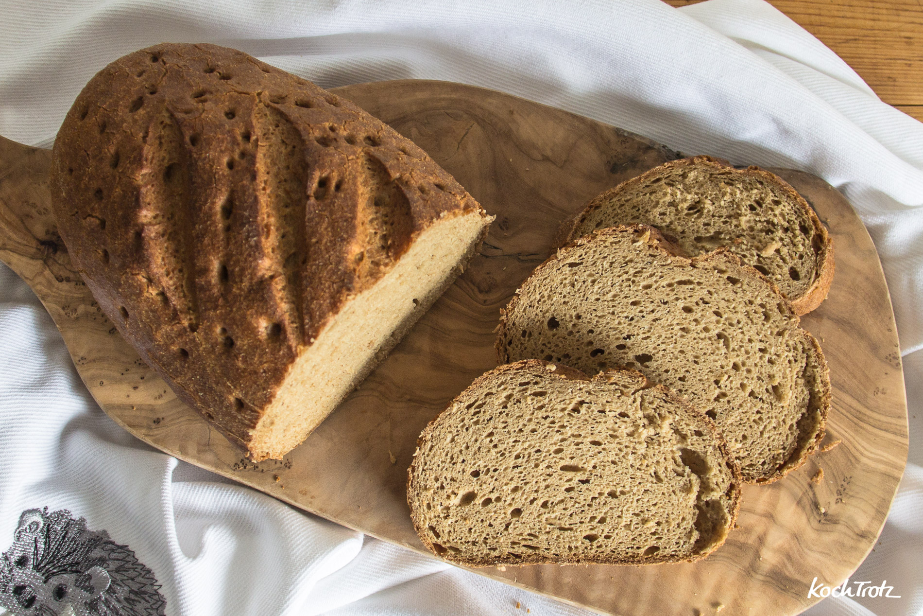Produkttest | glutenfreie Backwaren von Böcker | Goldleinsamenbrot