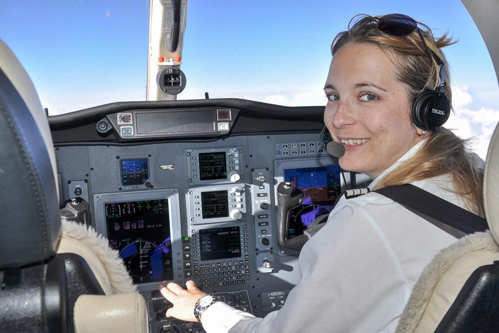 Im Gespräch mit Katharina Kugelmeier über den Beruf als Pilotin und Aerotoxisches Syndrom