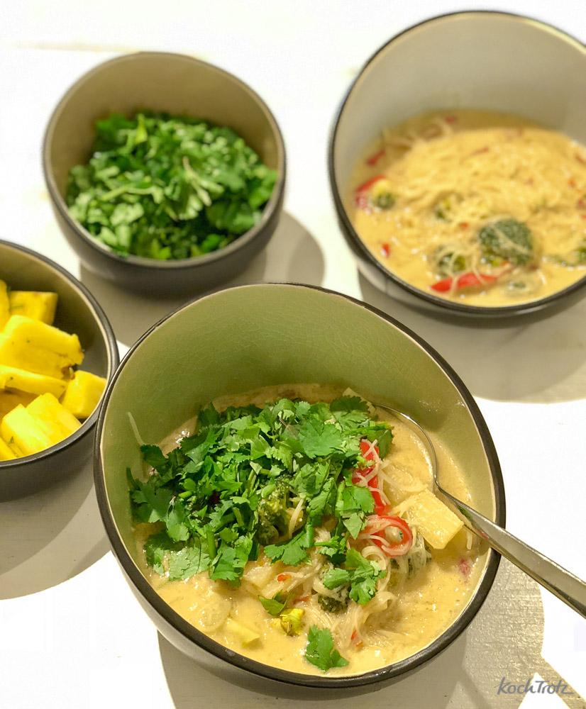 Thailändische Kokosmilchsuppe ganz einfach, schnell und variabel