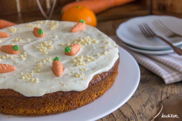Saftiger Karottenkuchen ohne Mehl | optional zuckerfrei und vegan