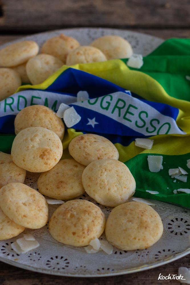 Original brasilianische Käsebrötchen | Pão de queijo | glutenfrei