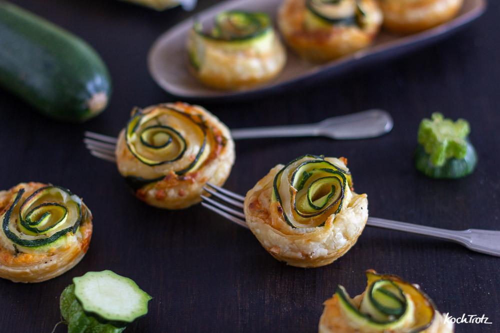 Zucchini-Rosen | optional glutenfrei | mit Blätterteig