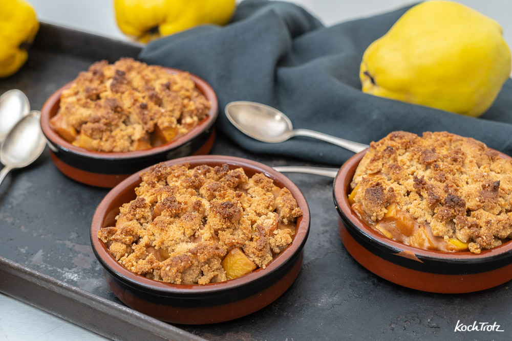 Quitten-Crumble | glutenfrei | laktosefrei | optional vegan