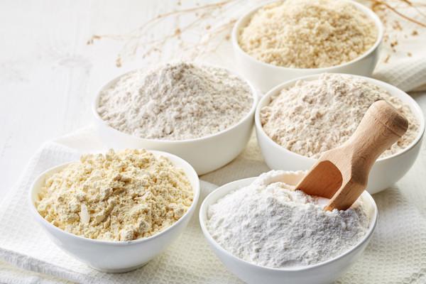 Glutenfreie Backzutaten: Getreide, sortenreine Mehle, Bindemittel und Triebmittel