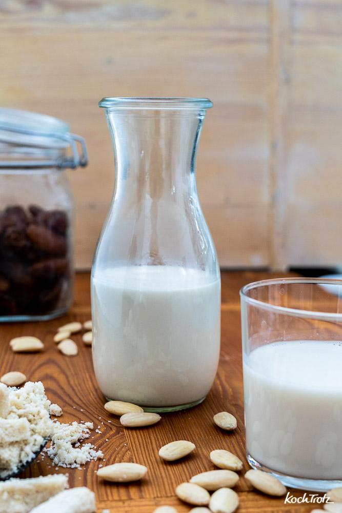 Mandelmilch | Cashewmilch | Nussmilch aus dem Slow Juicer