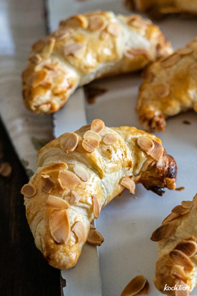 Rezept für schnelle gefüllte süße Croissants. Wahlweise ganz normal oder glutenfrei, laktosefrei, histaminarm, fructosearm, vegan
