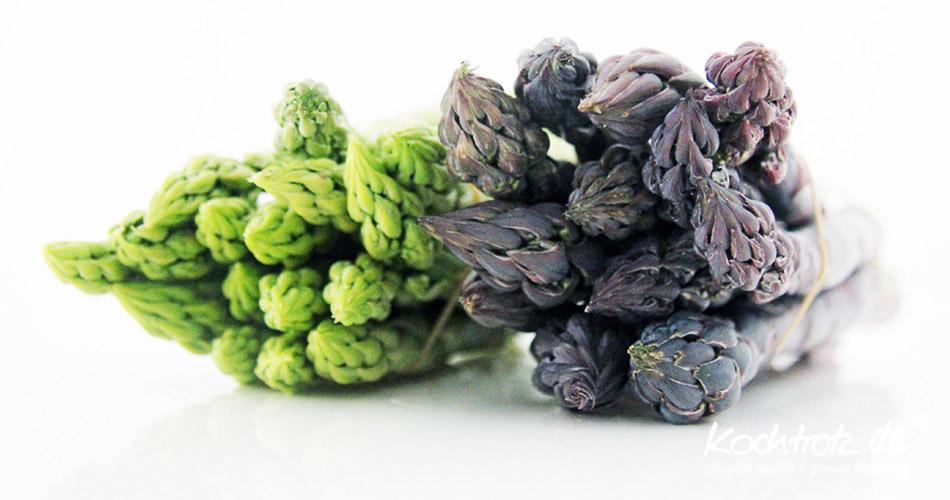 grüner und violetter Spargel