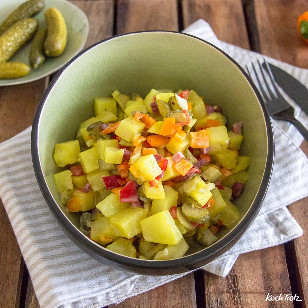 falscher Kartoffelsalat mit Kohlrabi und Mayonnaise ohne Öl