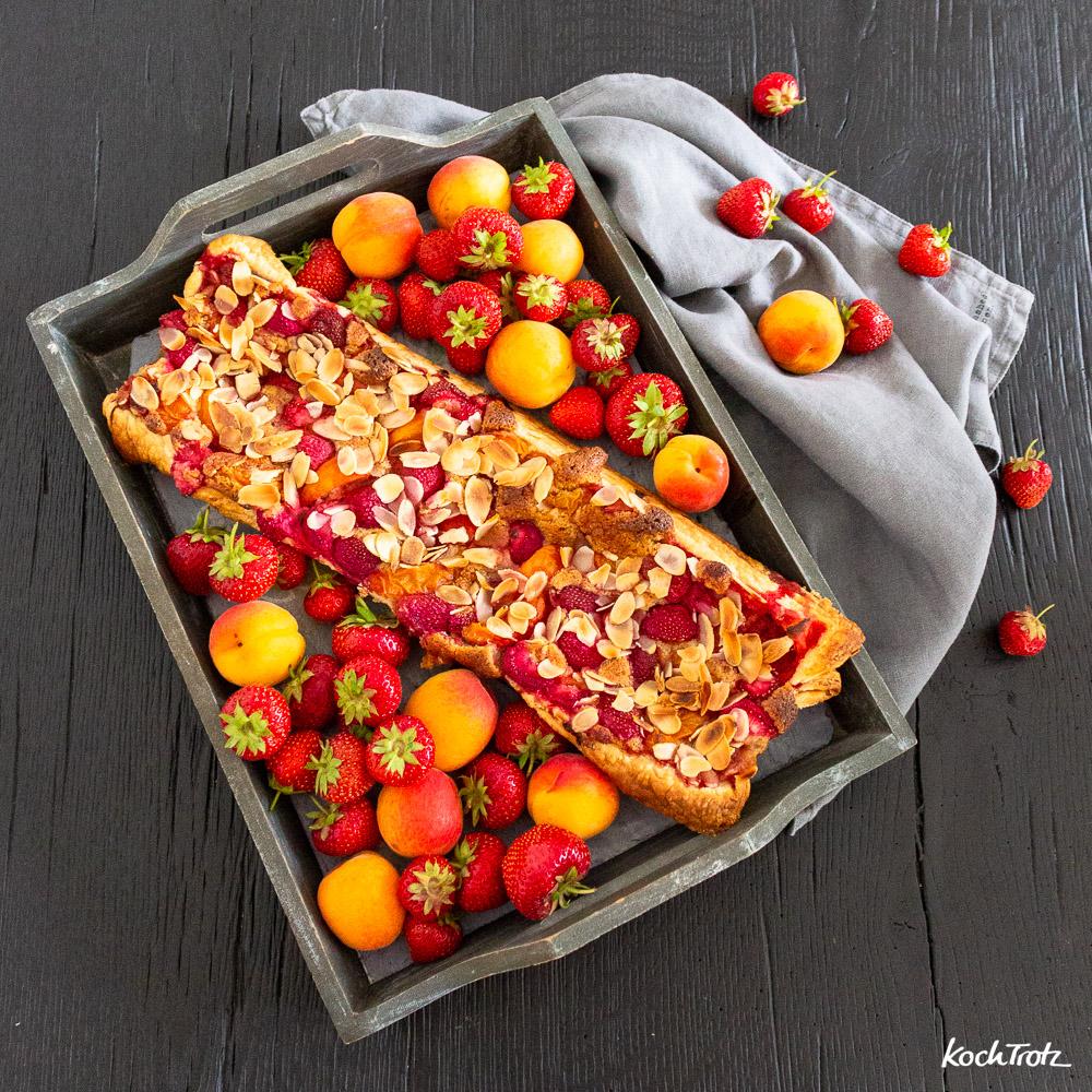 Frangipane Tarte mit Aprikosen und Erdbeeren | auch glutenfrei