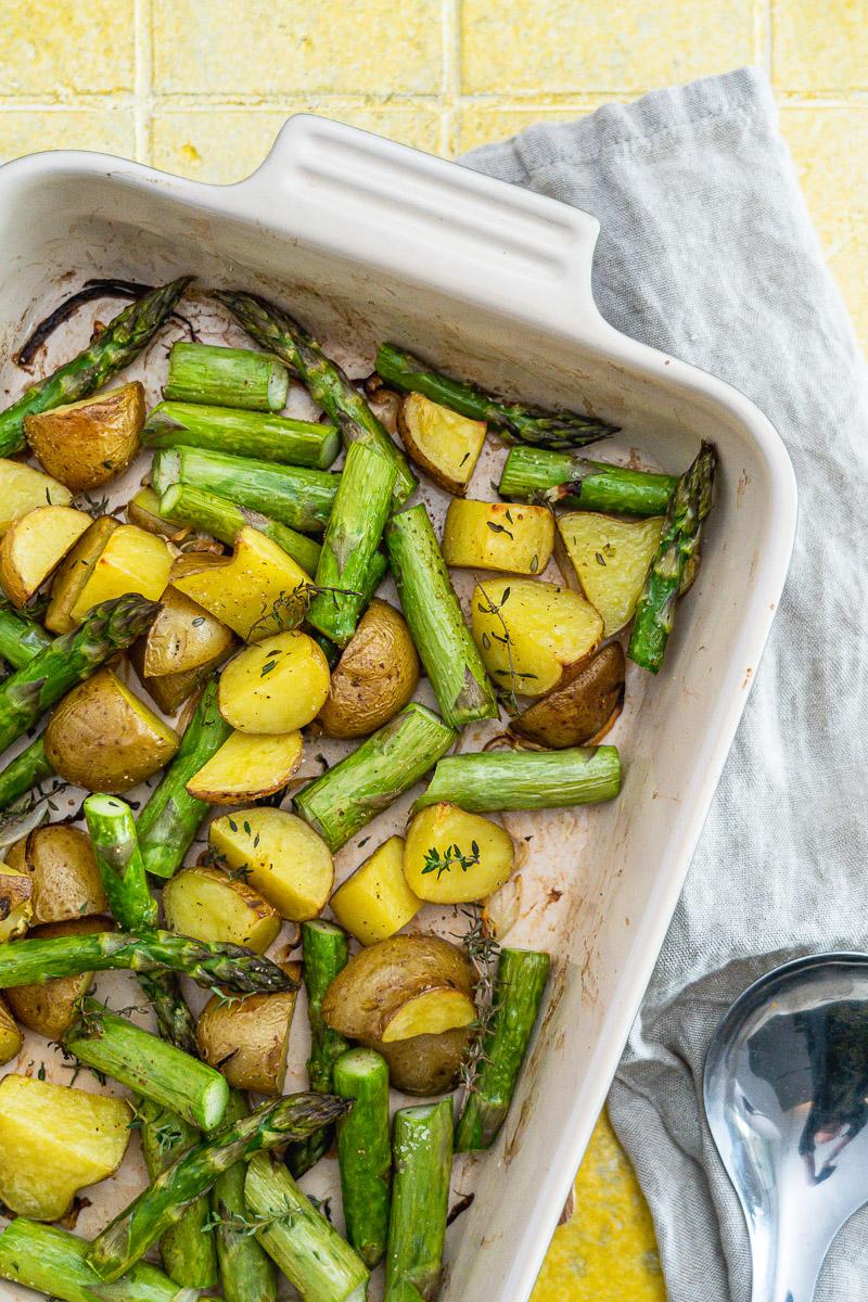 Rezept grüner Spargel und Kartoffeln vom Blech