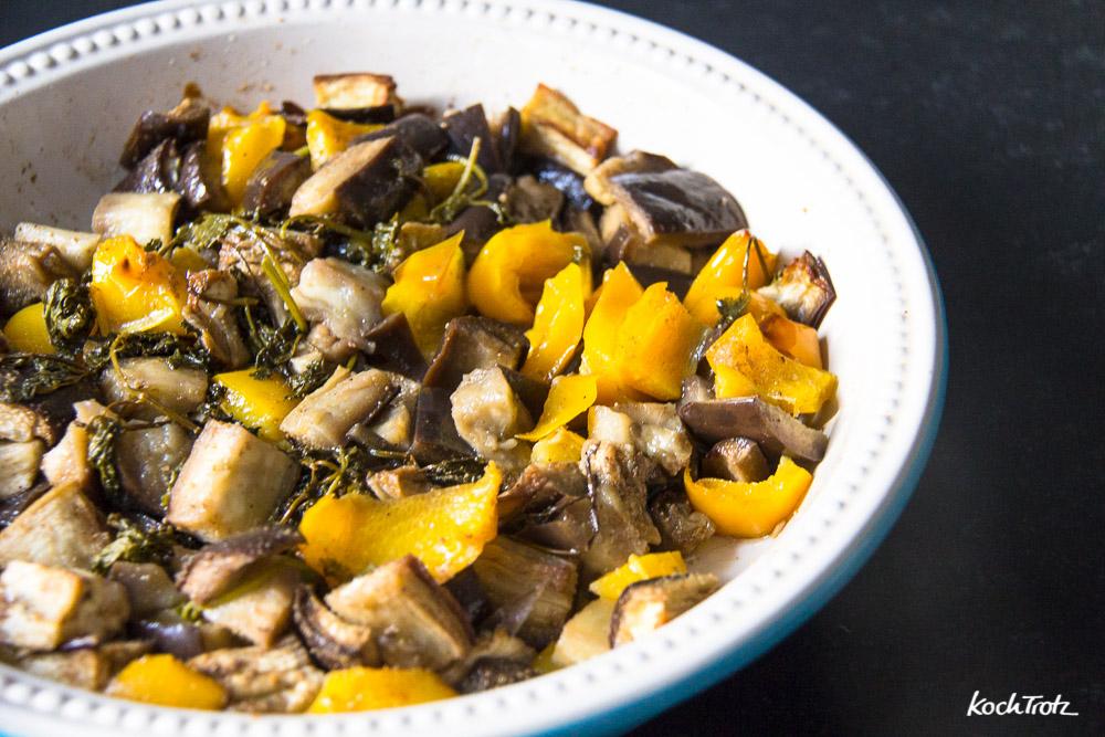 Orientalisches Gemüsecurry mit zarten Auberginen und Kürbis