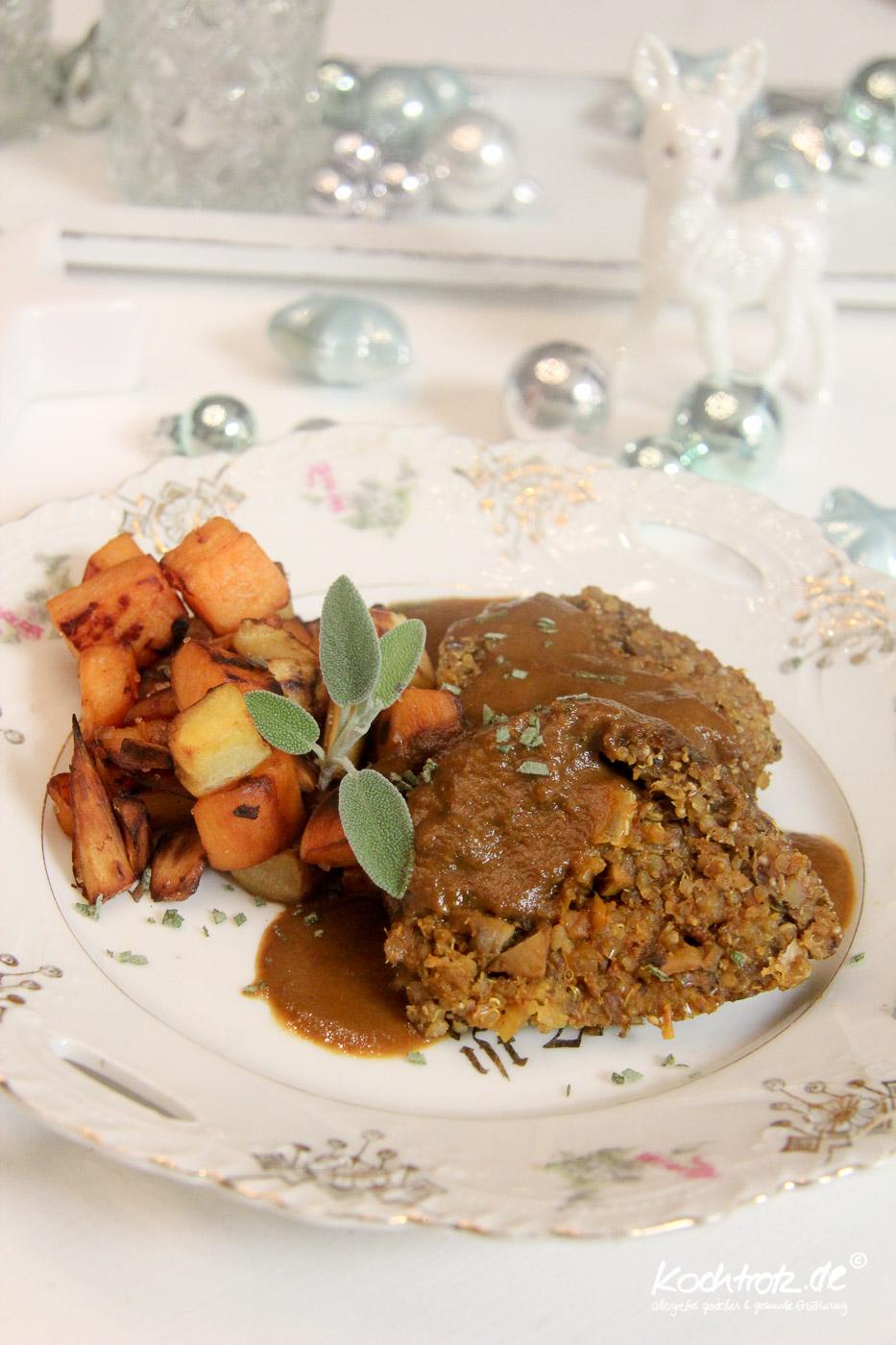 weihnachtsmenue2014-vegan-vegetarisch-glutenfrei-hauptgang-maronen-quinoa-rolle-braten-mit-gemuese-fuellung-und-gebratenen-suesskartoffel-und-pastinaken-wuerfel-1-11