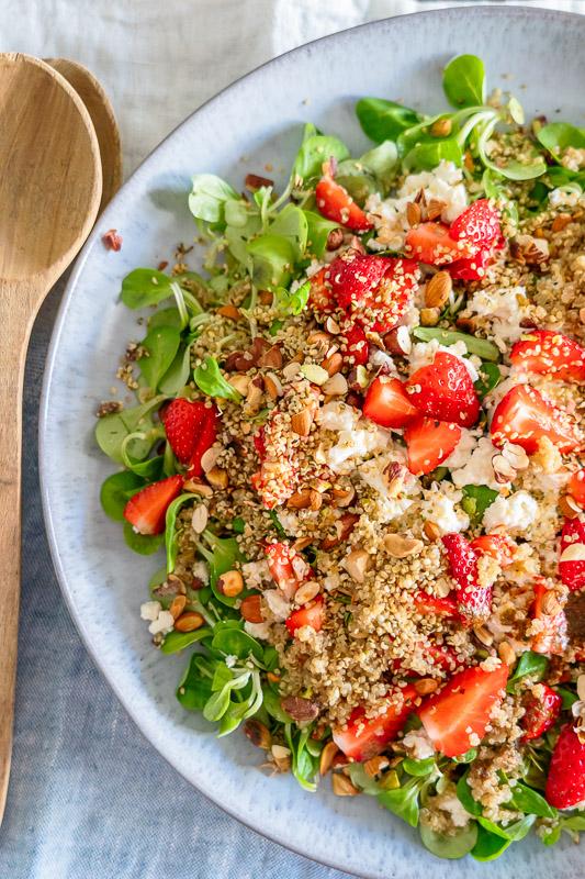 Rezept Sommersalat mit Erdbeeren und Quinoa