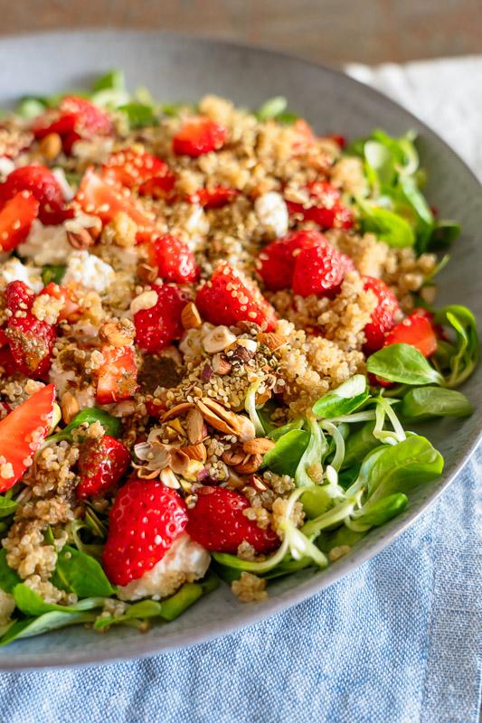 Grundrezept Salat mit Quinoa und Erdbeeren, einfaches Rezept