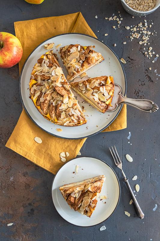 Einfaches Rezept für Apfel-Käsekuchen. Dieser Kuchen ist gesund, wahlweise ohne Zuckerzusatz, glutenfrei und vegan. Das Beste: immer lecker!