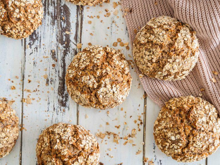 Rezept einfache Haferflocken-Brötchen, wahlweise glutenfrei + hefefrei