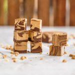 Peanut Butter Fudge mit 2 Zutaten Rezept